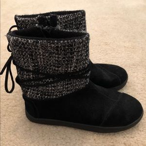Girl's Toms Suede Boots Youth Size 2